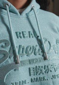 Superdry - VINTAGE LOGO EMBOSSED GLITTER - Sweat à capuche - mint snowy - 3