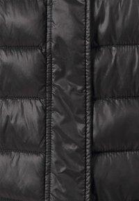 Vero Moda Tall - VMSORAYAZIP JACKET - Chaqueta de entretiempo - black - 2