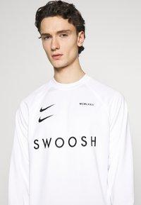 Nike Sportswear - CREW - Long sleeved top - white/black - 6