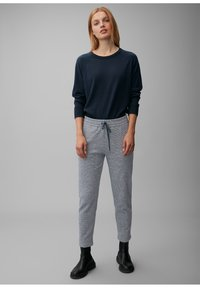 Marc O'Polo - ELASTISCHEM BAUMWOLL-MIX - Tracksuit bottoms - multi/dark night - 1