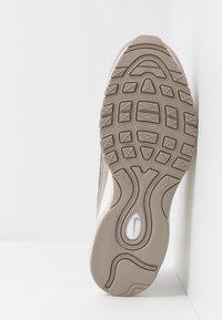 Nike Sportswear - AIR MAX 98 - Trainers - pumice/plum chalk/summit white - 4