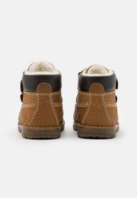 Primigi - WARM LINING UNISEX - Kotníkové boty - senape - 2