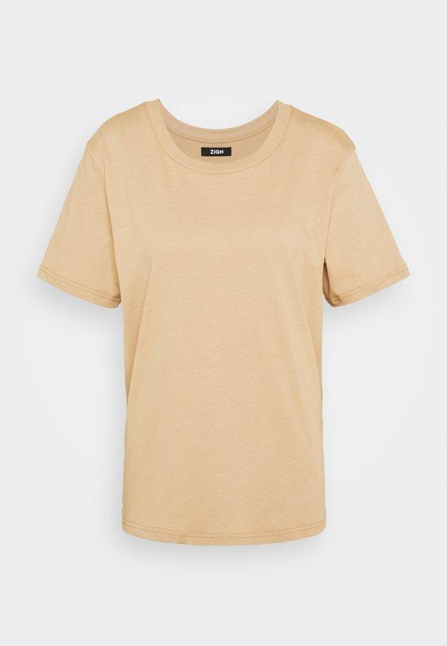 Botanical dyed top - T-shirt basic -  tan