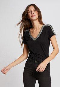 Morgan - Print T-shirt - black - 0
