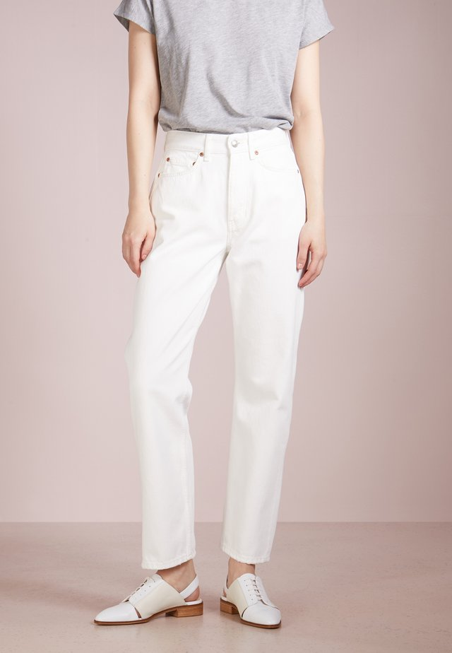 PEARL - Džíny Relaxed Fit - tinted white