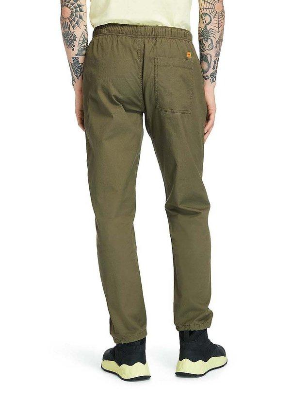 Timberland FIELD TRIP - Spodnie materiałowe - grape leaf/fioletowy Odzież Męska XWRX
