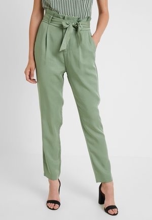VMEVA LOOSE PAPERBAG PANT - Broek - hedge green