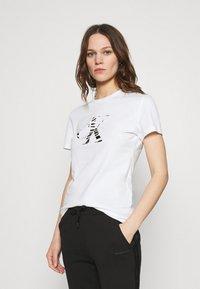 Calvin Klein Jeans - ZEBRA TEE - Print T-shirt - bright white - 0