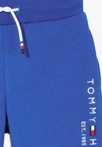 Tommy Hilfiger - ESSENTIAL - Træningsbukser - blue - 3