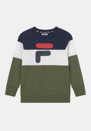 ETHAN CREW NECK - Sweatshirt - olivine/black iris/bright white