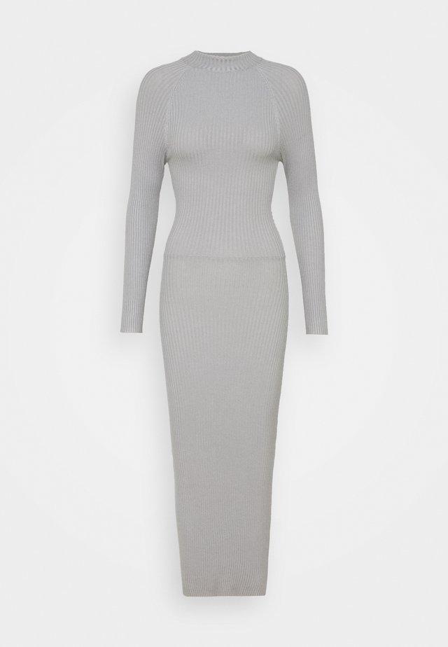 TIE BACK DRESS - Stickad klänning - grey