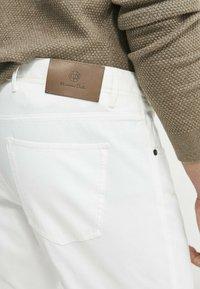 Massimo Dutti - Slim fit jeans - white - 4