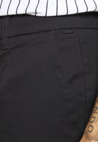 Only & Sons - ONSCAM CROPPED - Chino kalhoty - black - 4