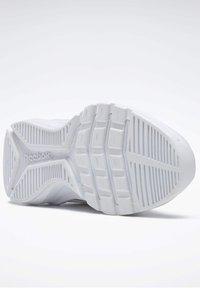 Reebok - SPRINTER  - Chaussures de running neutres - white - 7