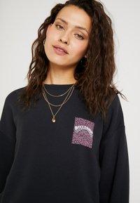 Billabong - ULTIMATE - Sweatshirt - black - 4