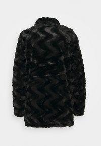 Vero Moda Tall - VMCURL HIGH NECK JACKET - Winter coat - black - 1