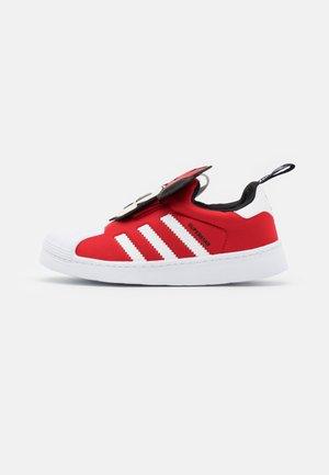 SUPERSTAR 360 UNISEX - Sneaker low - vivid red/footwear white/core black