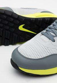 Nike Golf - AIR MAX 1 G - Golfové boty - grey fog/smoke grey/photon dust - 5