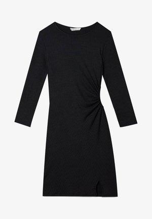 MIT SCHLITZ - Pouzdrové šaty - black