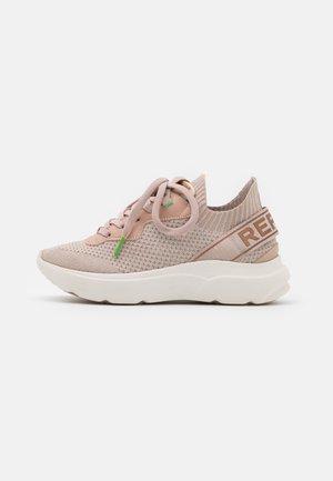 DRYTON - Sneakersy niskie - copper