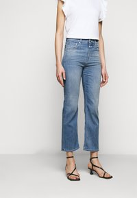 CLOSED - BAYLIN - Flared Jeans - mid blue - 0