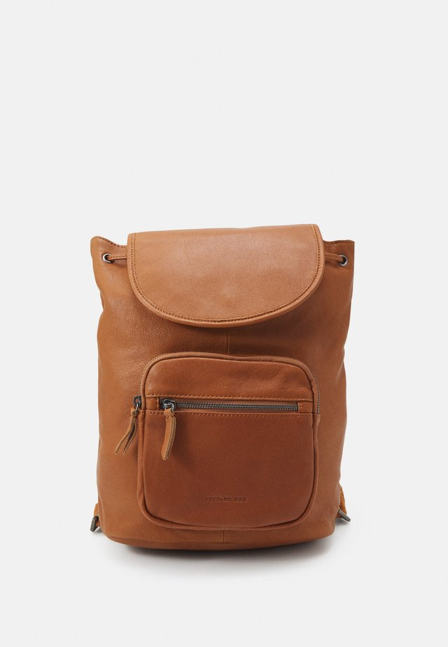 ZIP BAG PACK - Rucksack - dark honey