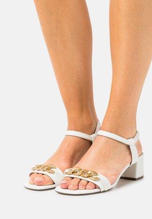 VEGAN AMALIAA - Sandales - white