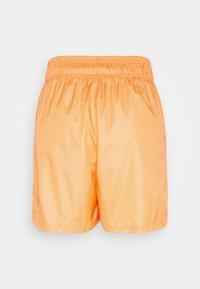 Nike Sportswear - Shorts - atomic orange/black - 6