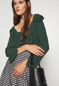 Vivienne Westwood - ELIZABETH - Long sleeved top - green - 3
