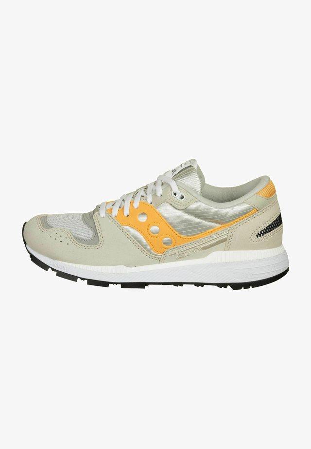 AZURA - Scarpe da corsa stabili - tan/orange