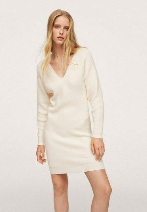 Pletené šaty - ecru