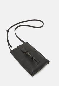 Liebeskind Berlin - MOBILE POUCH - Across body bag - black - 3