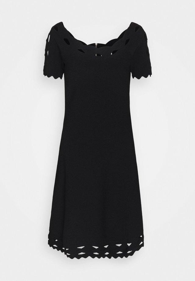 KYHL TWIST TRIM FLARE DRESS - Strikkjoler - black