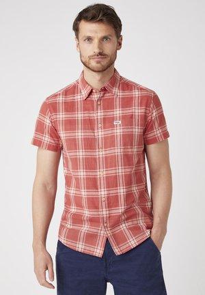 Shirt - barn red