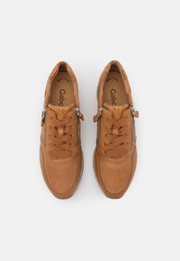 Gabor - Sneakers laag - cognac - 5
