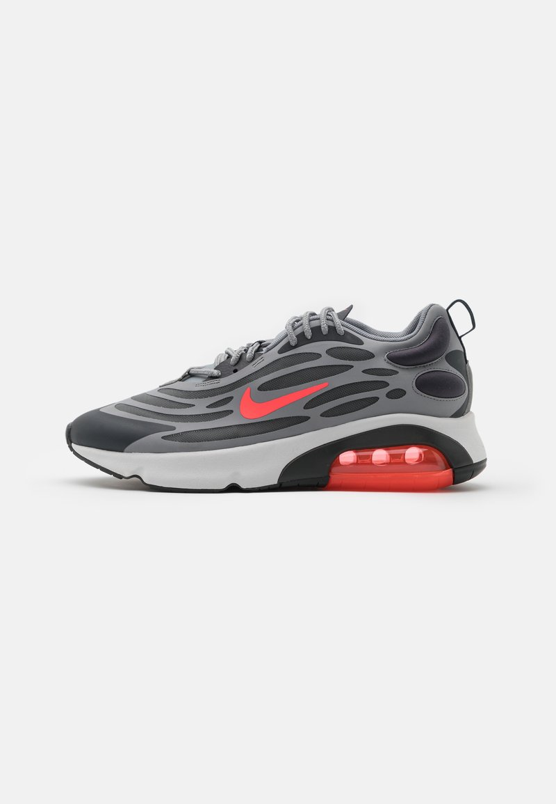 Nike Sportswear - AIR MAX EXOSENSE UNISEX - Sneakers - particle grey/bright crimson/anthracite/photon dust/iron grey