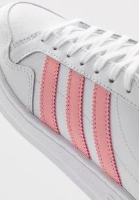 adidas Originals - TEAM COURT  - Trainers - footwear white/glow pink/core black - 2
