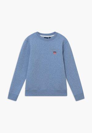 MEDIUM SHIELD - Collegepaita - frost blue
