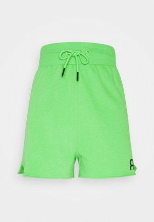 Kraťasy - green