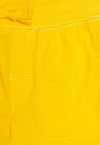 GAP - TODDLER BOY - Shorts - sunburst - 2