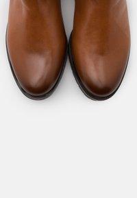 Gabor Comfort - XL - Vysoká obuv - whisky - 5