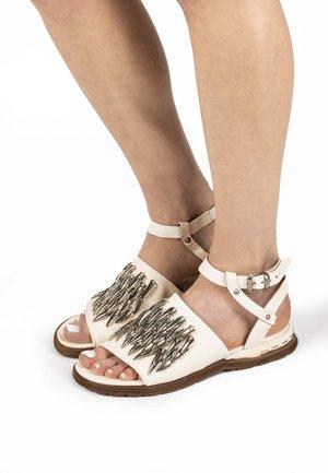 Sandals - milk