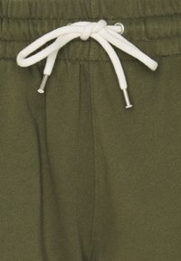 GAP - Tracksuit bottoms - ripe olive - 2