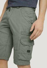 TOM TAILOR - Shorts - olive - 3
