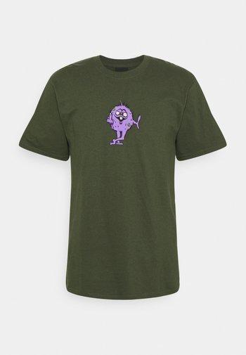 NUG MAN TEE - Print T-shirt - olive