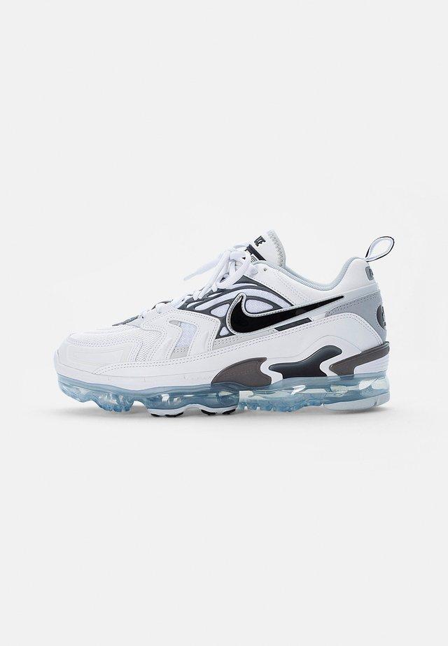AIR VAPORMAX EVO - Trainers - white/black-wolf grey-dark grey-pure platinum-reflect silver
