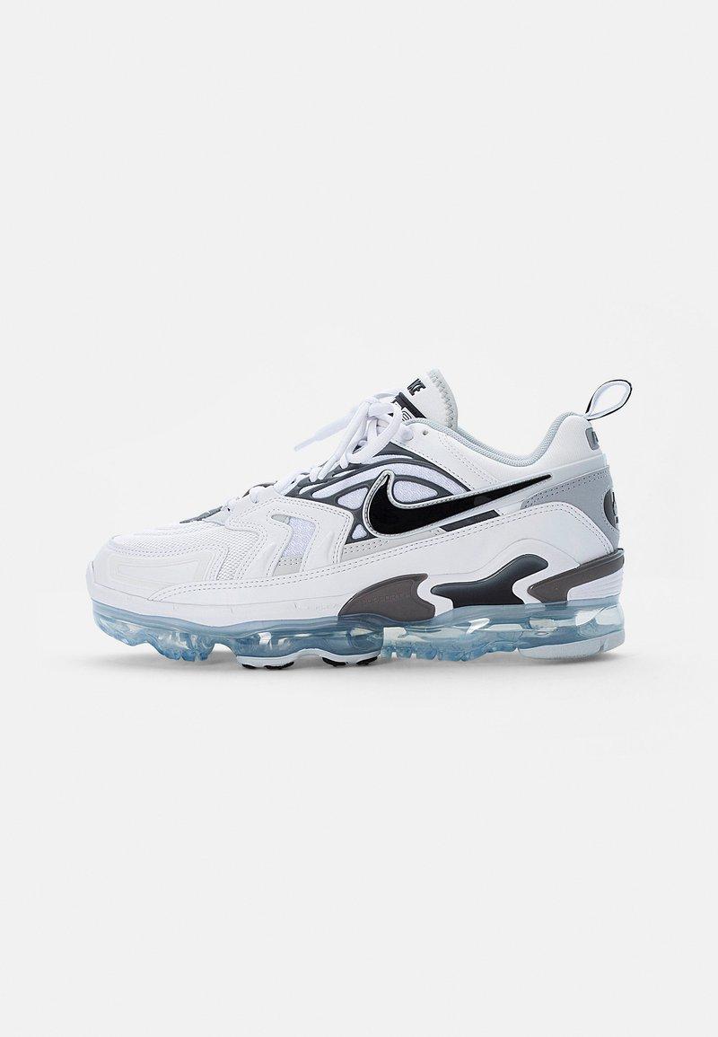 Nike Sportswear - AIR VAPORMAX EVO - Sneakers laag - white/black-wolf grey-dark grey-pure platinum-reflect silver