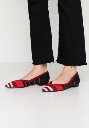 TOMMY KNITTED BALLERINA - Ballet pumps - red/white/blue