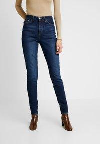 PIECES Tall - PCCARA - Jean slim - dark blue denim - 0