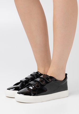 MIO - Trainers - black